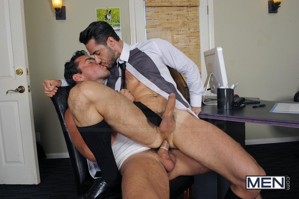 Фото в порно пиджаках гей
